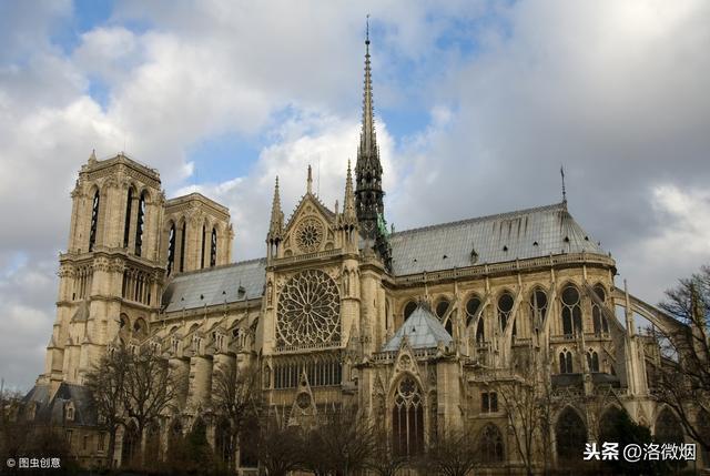 巴黎圣母院着火现场