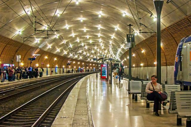 合肥火车站夜景
