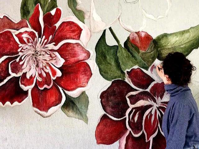 用手绘来装修墙面,美到没话说!