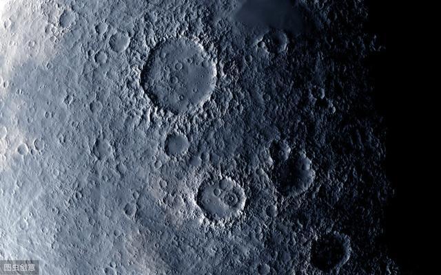 关于月球的资料与图片!急