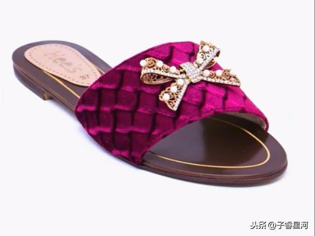"""今夏最火的50双凉鞋大盘点,杨幂最爱""""两条线"""",你呢?"""