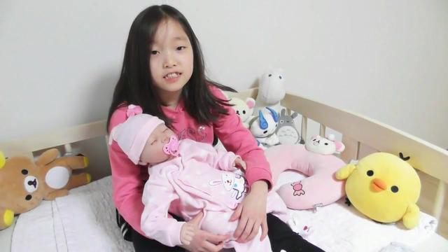 女儿的新玩具仿真娃娃,女儿好喜欢这个玩具!