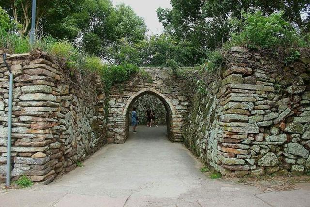 上海周边最原汁原味的古城当属桃渚古城,因抗倭英雄戚继光而闻名
