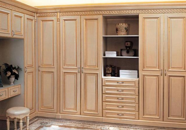 實木復合衣柜定制烤漆