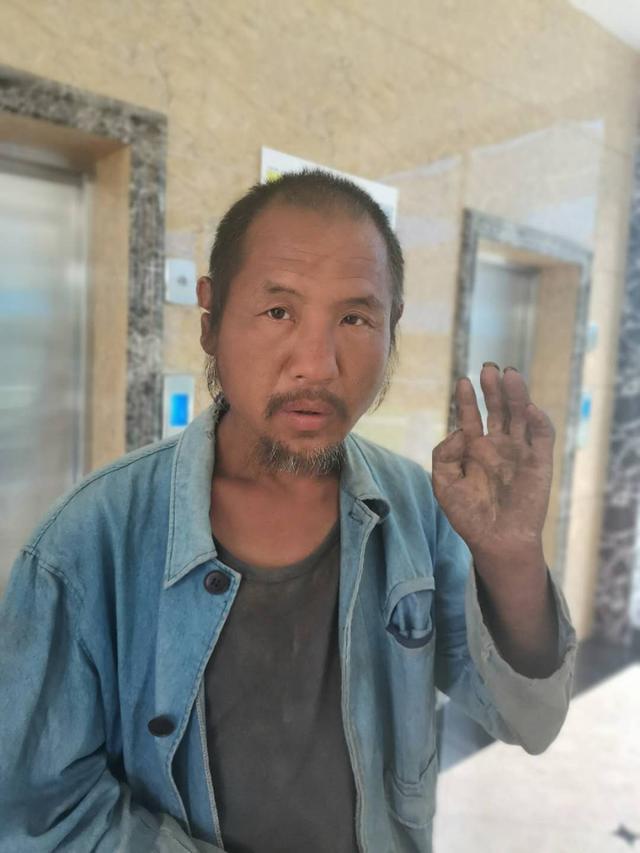 滨州市救助站:五旬男子被救助,穿浅蓝色上衣