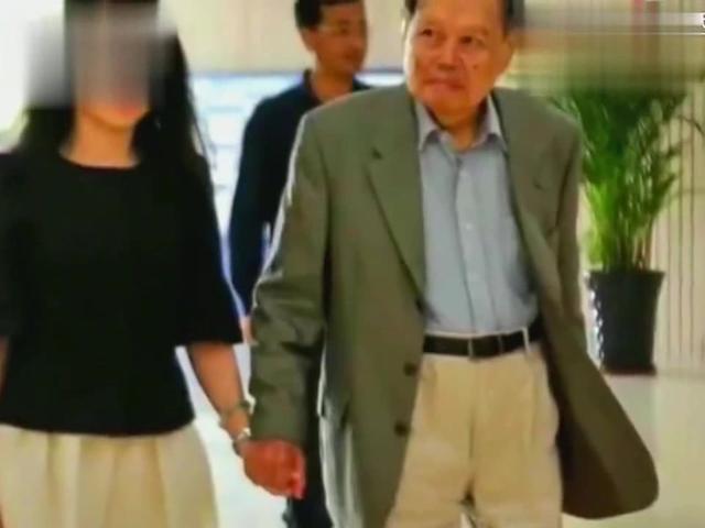 翁帆终于说出为何14年前与82岁杨振宁结婚?却没人相信