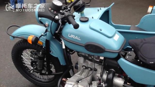 乌拉尔边三轮摩托车