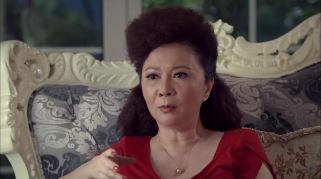 老妈的三国时代:大妈嫌弃老伴买的臭豆腐,怎料吃一口便停不下来