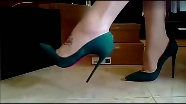 试穿了这么多高跟鞋!哪双最好看呢?