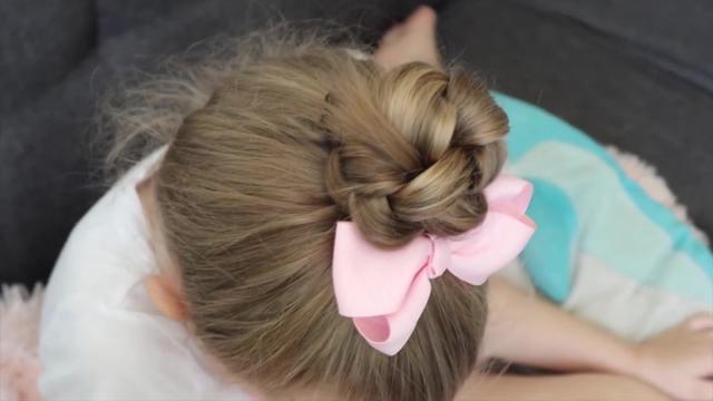 规整漂亮不散发的儿童丸子头发型就这样扎吧,成品美美的哦