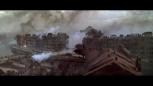 攻进柏林的苏军杀红了眼,嫌枪杀太慢,见人就用大炮轰