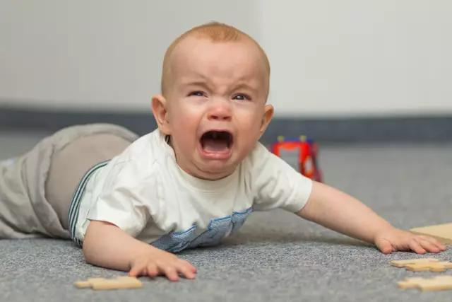 """比""""爬""""更早更重要的体能锻炼是什么?宝宝不可错过"""