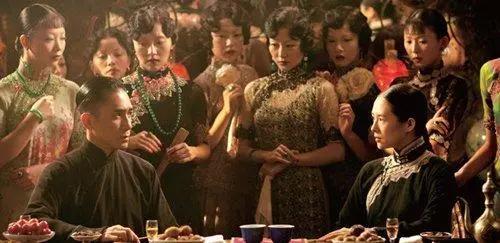她是中国第一位影后,一夜成名却一度迷失自己,晚年靠乞讨度日