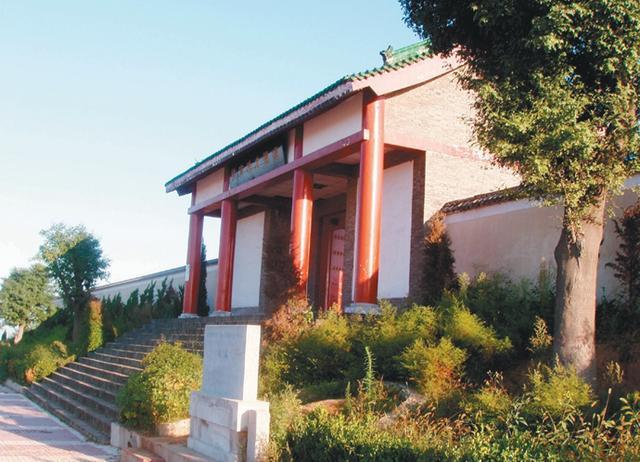 """""""东方的金字""""塔霸陵——汉文帝的陵墓为啥要依山而建?"""