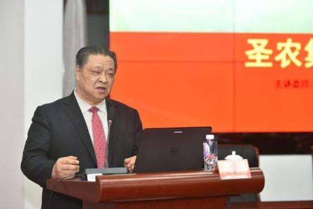 """借2万元开始搞养殖,他一路逆袭为中国""""鸡王"""",如今身家150亿"""
