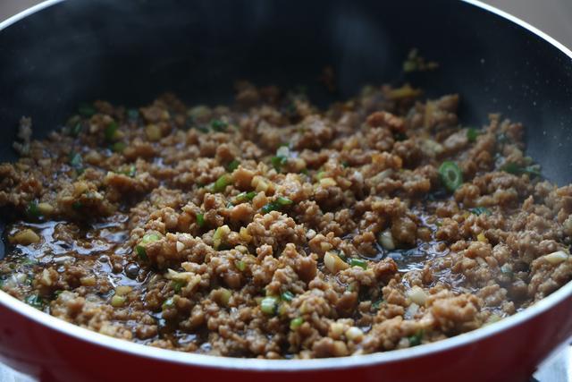 1碗玉米面1把豆角,簡單一做,既當菜又當飯,全家人都愛吃