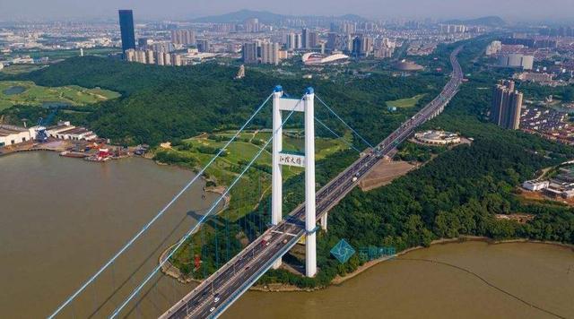江阴大桥的介绍