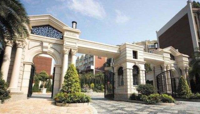 走进舒淇在香港的豪宅,小区门口富丽堂皇,家里却是用一般装修-第2张图片-IT新视野