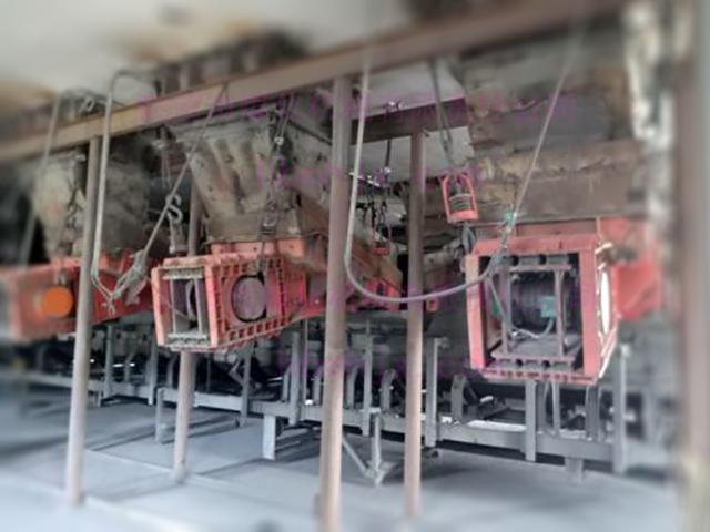 谁家生产的给料机这么给力?该铁矿4台备用机还躺在库房睡觉呢