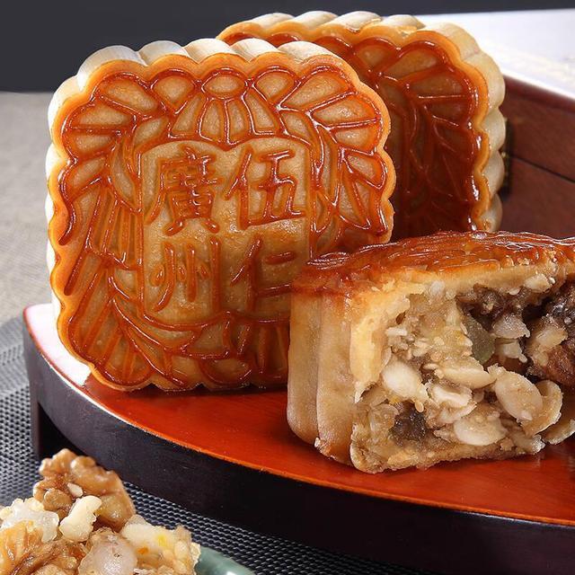 中秋佳节之际面点师分广式月饼之享五仁月饼全套配方