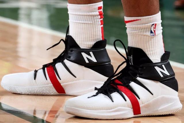 李寧新籃球鞋
