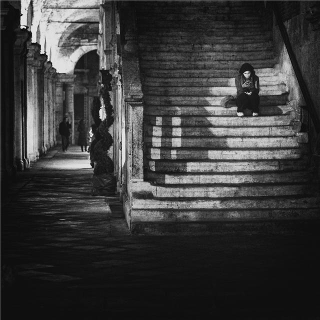 怎么拍出孤独感?国外摄影师这么拍,画面很戳心