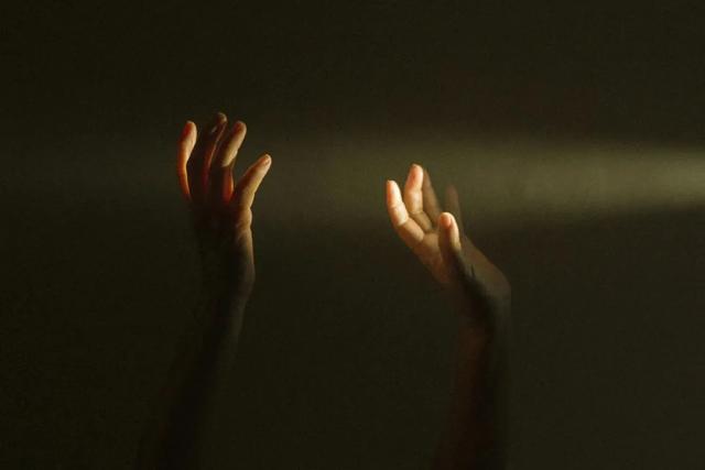 震撼人心的人性实验:谁的人生不委屈