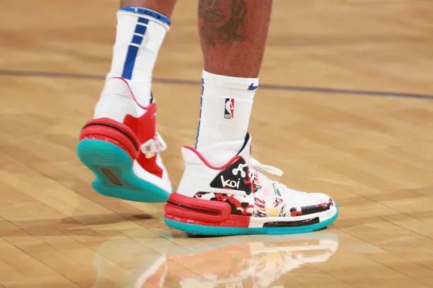 NBA球鞋上脚:KD13配色粉嫩,4大国产球鞋很帅