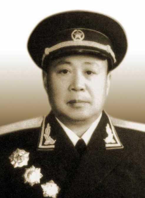 朱忠言师政委大校军衔