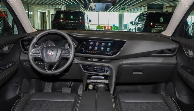 新昂科威S到店,和凯迪拉克XT4同平台,配置高颜值好就是贵了点
