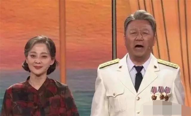 《父母爱情》:心高气傲的江亚菲为何会看上离婚带个孩子的王海洋