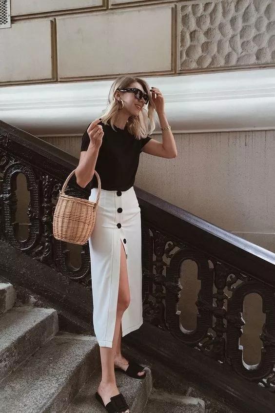 40歲的女人,夏季出游怎么穿?這5組穿搭給你參考,清爽又好看