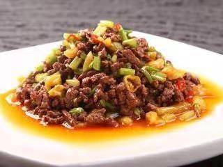 家常菜芹菜炒牛肉的做法,学会这一招,都不用去外面吃了!