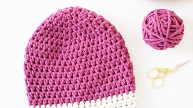简易钩织:手工师用粗毛线织了一顶好看的帽子