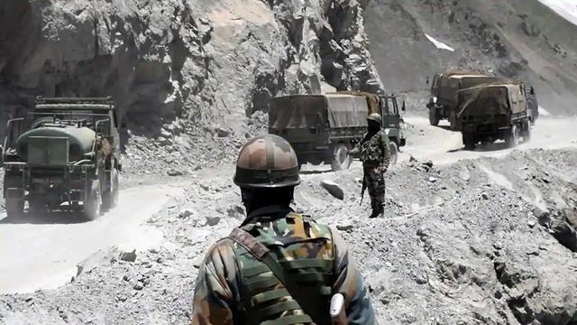 2万兵力在边境集结,雷达全部激活开机待命,巴方正面和印度对峙