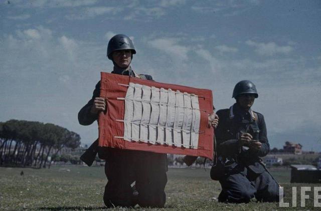 二战中的意大利士兵(美国生活杂志摄)