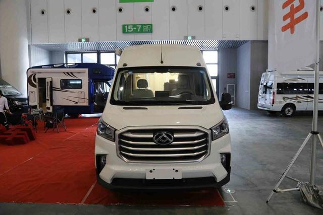 国六V90 B型房车 用空间创意打动你的顺旅房车