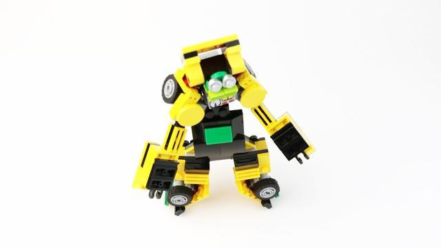用乐高积木组装变形金刚,有积木的小伙伴试试你们能做出来吗