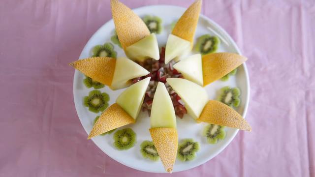 水果拼盘简单大气图片