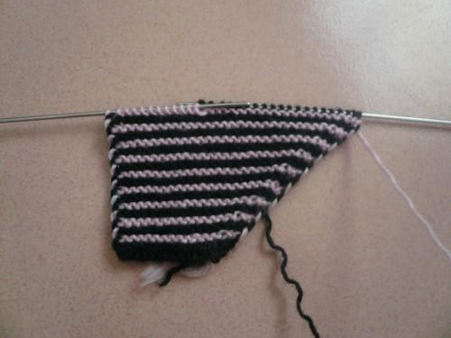 宝妈一步步教您编织双色毛线拖鞋,上手太简单了,有教程图解