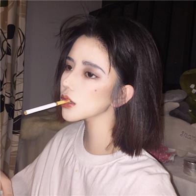 女生抽烟qq头像超拽、抽烟范十足_女生头像-ME个性网