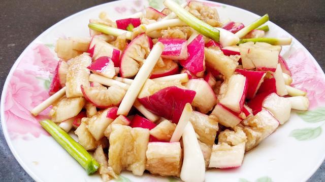 每天吃白水煮萝卜,沾着沾水吃减肥吗?_美呗整形问答