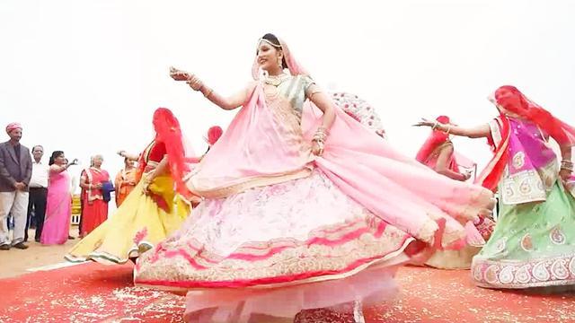 印度婚礼场面如此欢快,曼妙歌舞好看又好听!