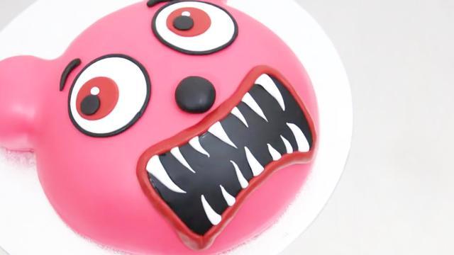 這款創意生日蛋糕兒子肯定喜歡!僵尸小熊恐怖的微笑,你害怕嗎?