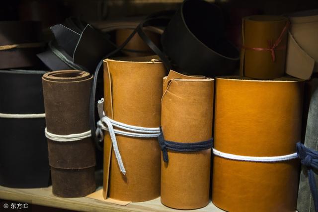 如何辨别真皮和人造皮革,教你一招,用一滴水就能分辨,方法真棒