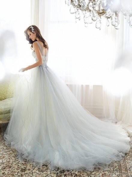 单人婚纱照女生图片