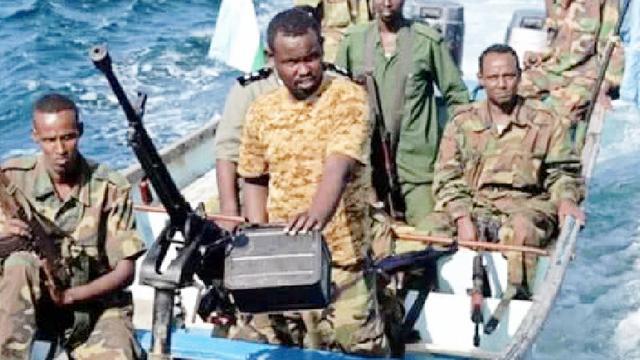 我国海军为何遇到海盗不将其击毙?而仅仅是驱逐?