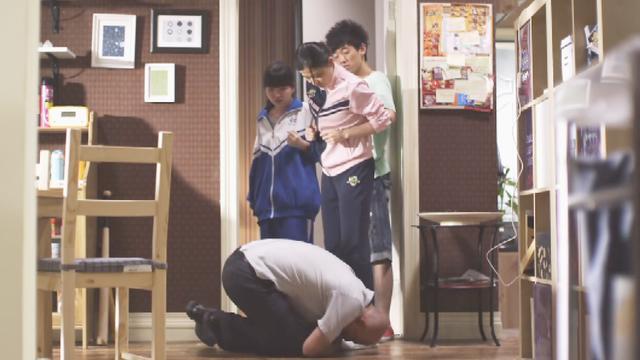 谷清问曹小强自己是否演砸了,曹小强开始觉得这个姑娘越发可爱了