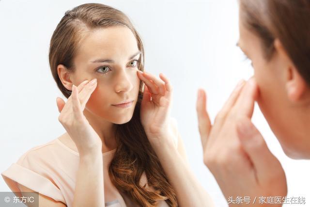 眼皮下垂是怎么回事?这两个原因,让人很无力