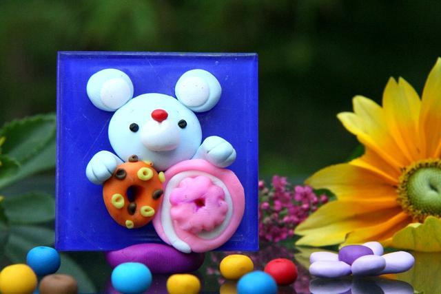 橡皮泥DIY:手工达人只用5分钟,就做出了一个可爱的小老鼠